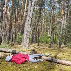 Relaks-po-spacerze-w-lesie